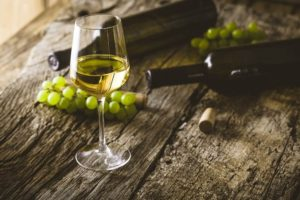How Can You Tell a Good Wine From a Low-Quality Wine?